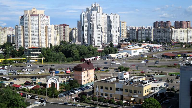 Киев. Район метро Позняки.