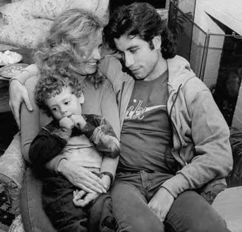 Дайана с сыном и Джон Траволта