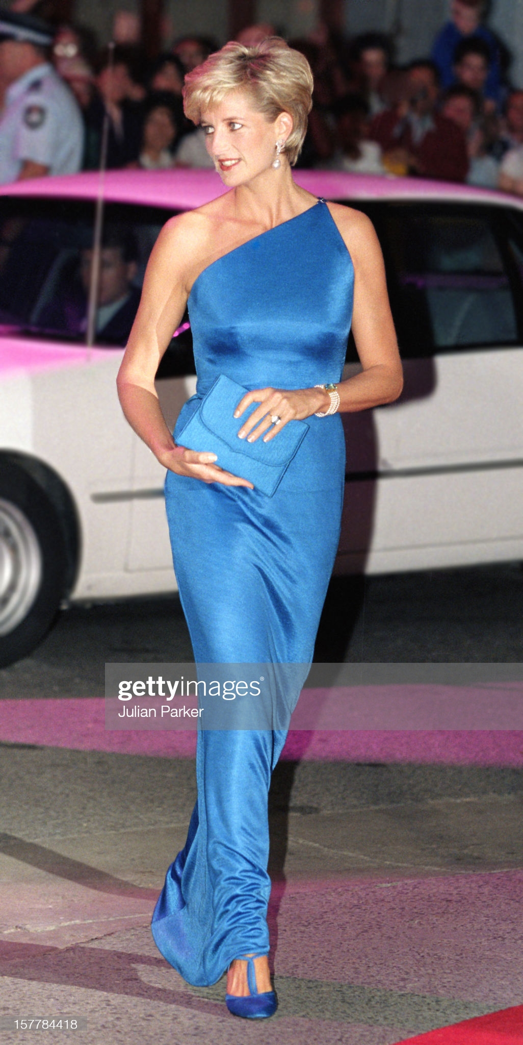 Diana, Princess Of Wales In Sydney, AustraliaDiana, Princess Of Wales Attends The Victor Chang Research Institute Dinner Dance During Her Visit To Sydney, Australia. (Photo by Julian Parker/UK Press via Getty Images)