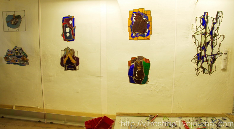 Витражи в галерее в Вильнюсе. Литва
