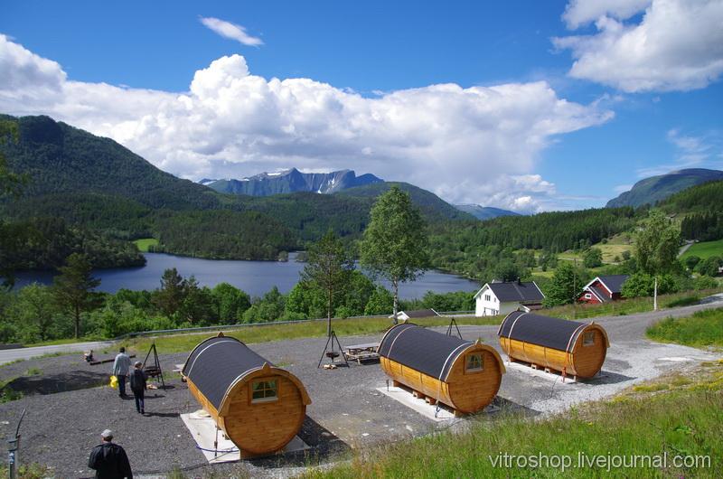 Озеро в горах Норвегии