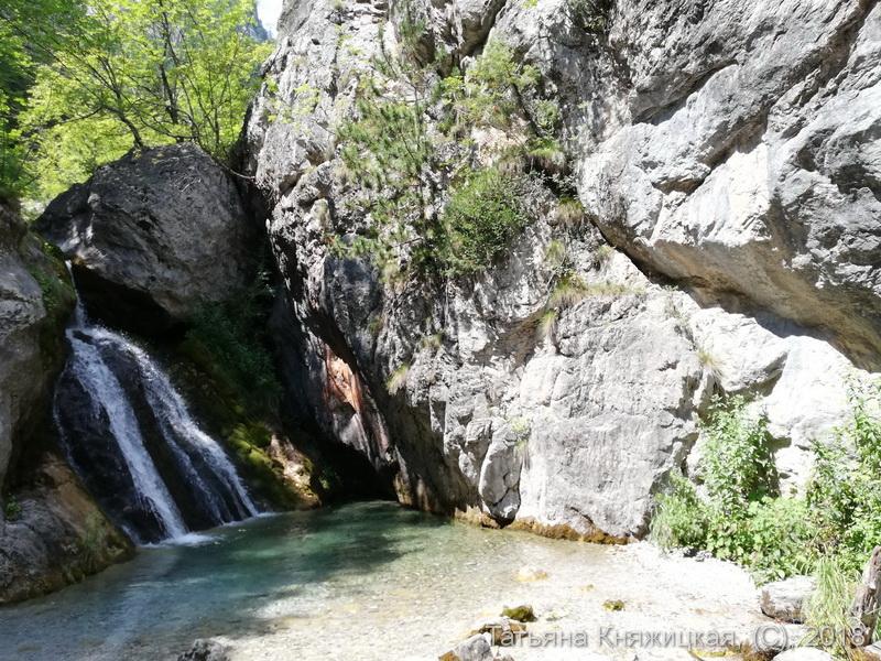 Водопад Enipeas Waterfall на Олимпе. Греция. Фото 2018.