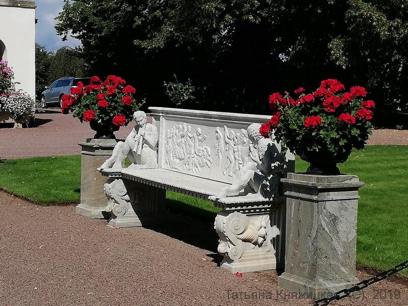 В парке Солиденс - резиденции шведской королевской семьи на острове Эланд. Фото 2019