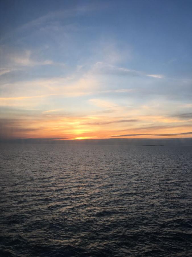 Закат над Балтикой (Мир глазами дочери)