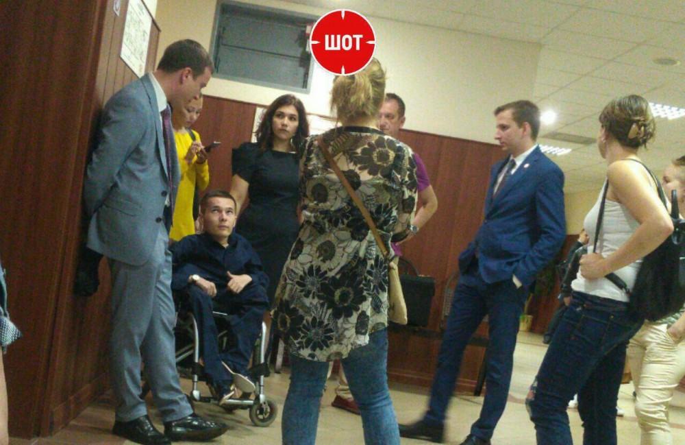 Суд принял решение по делу инвалида-колясочника