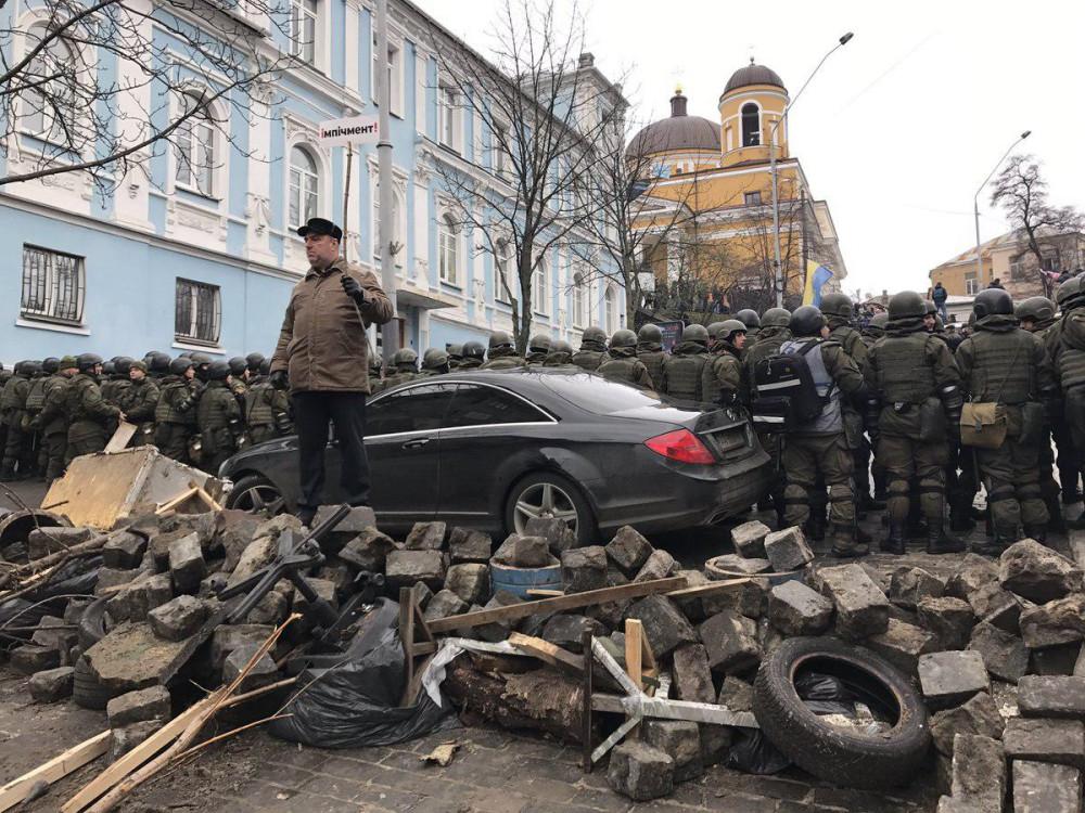 К Киеву движутся танки (с)