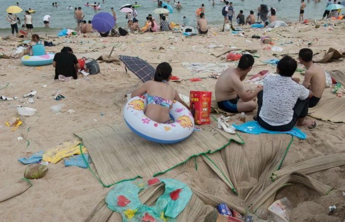 dirty_beaches_in_china_11