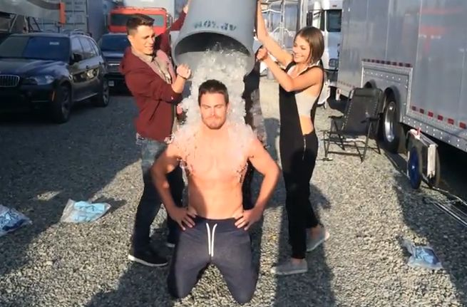 arrow-stephen-amell-ice-bucket-challenge-104854