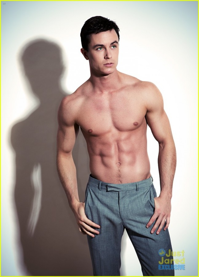 Teen Wolfs Ryan Kelley Shows Off His Rock-Hard Abs Ohnotheydidnt  Livejournal-2118