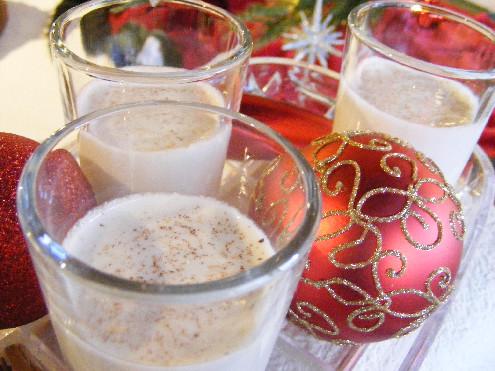 Coquito-Holiday-Drink_ForkFingersChopsticks.com