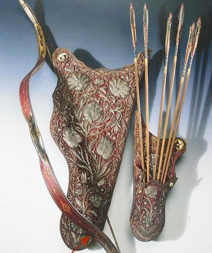 Лук, колчан и стрелы в тюркском стиле
