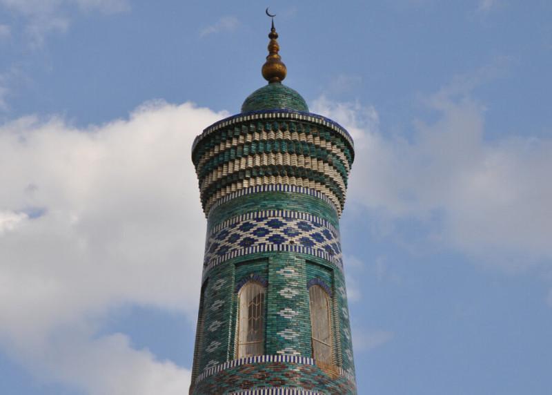 """""""Инкрустированный"""" минарет мечети Ислам Ходжа, Хива"""