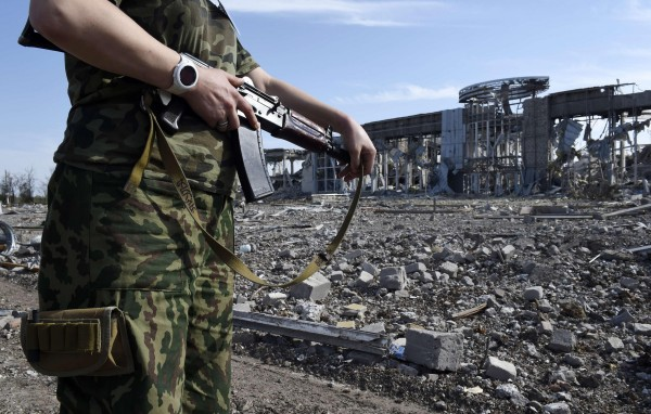 Луганский аэропорт руины