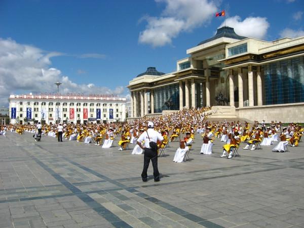 Массовые выступления музыкантов на день Независимости сносит крышу.