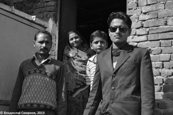 принявшая меня индийская семья