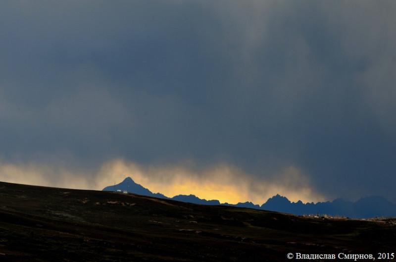 Вид с перевала возле Zara Queni Peak