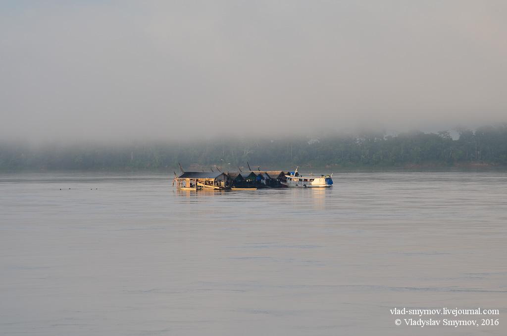 утро. река. золотодобытчики