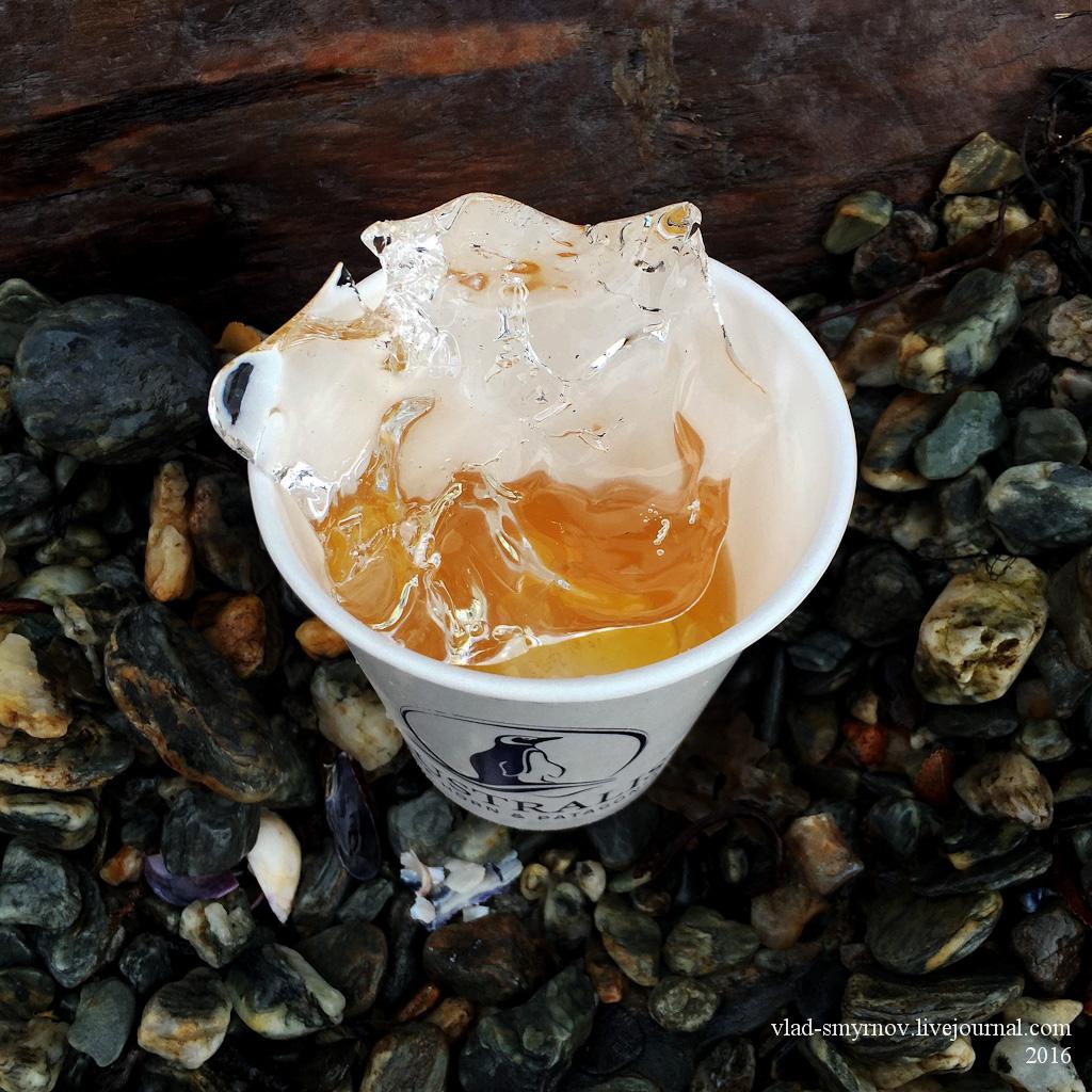 Виски со льдом из ледника