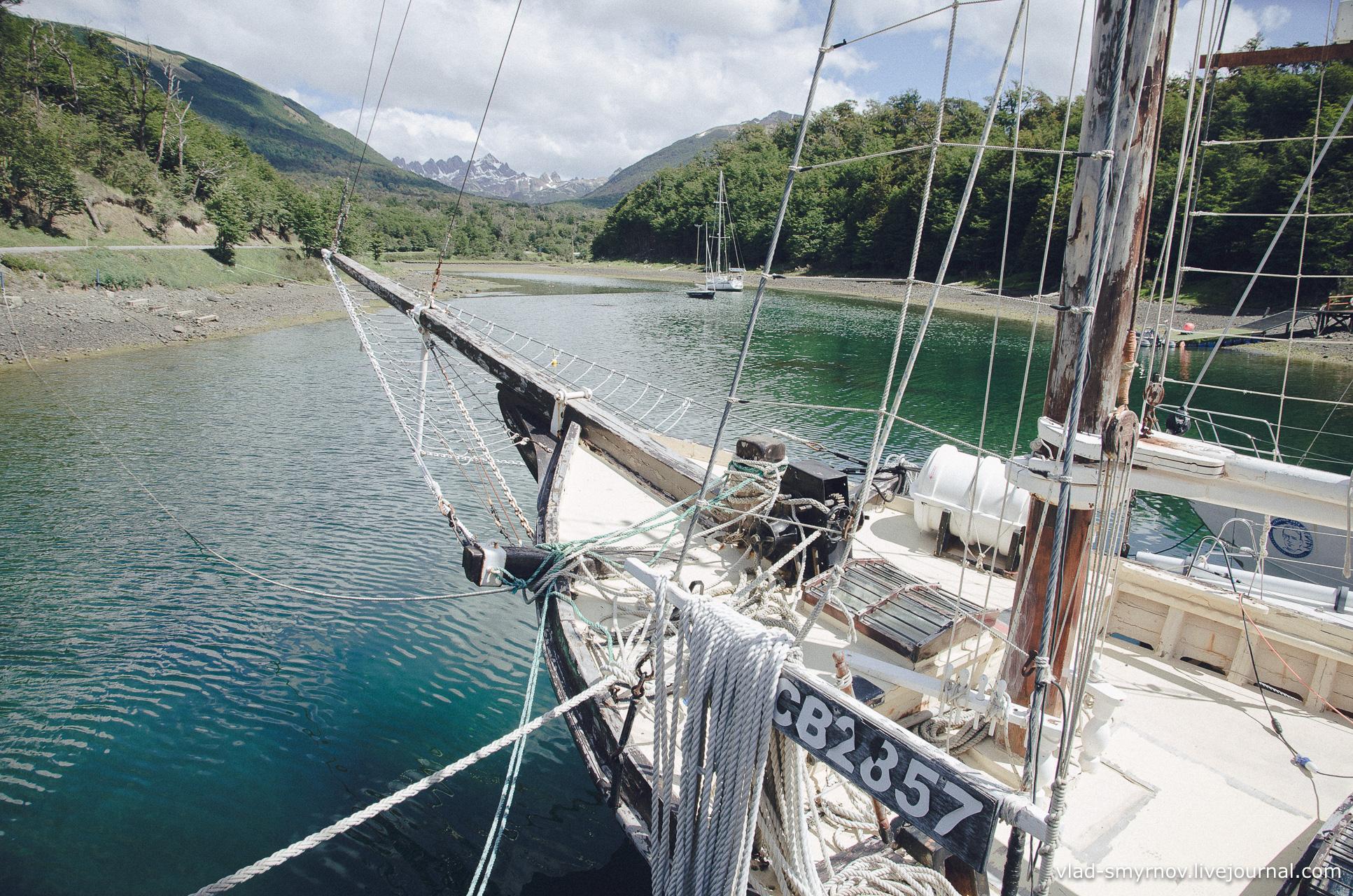 Вид из яхт-клуба на хребет Диентес
