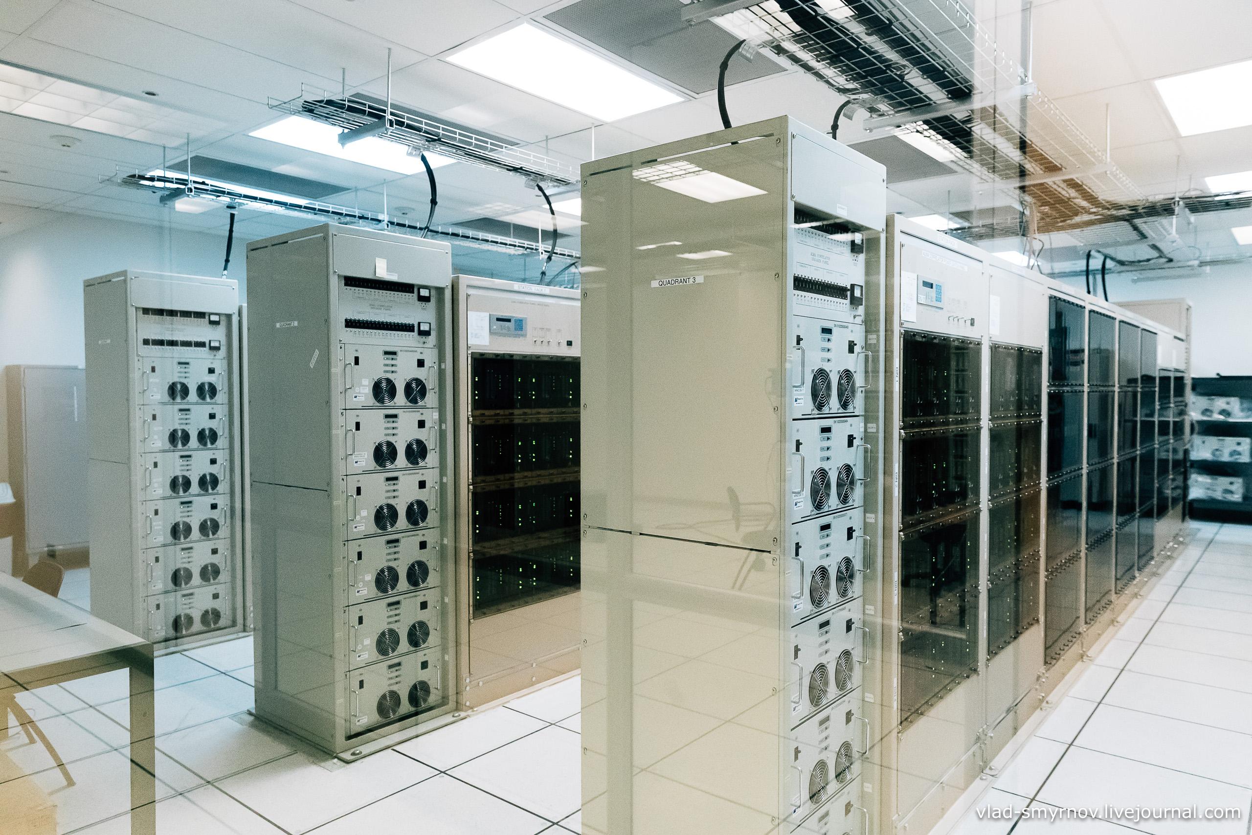 Суперкомпьютер в вычислительном центре. Высота - 5100 м.