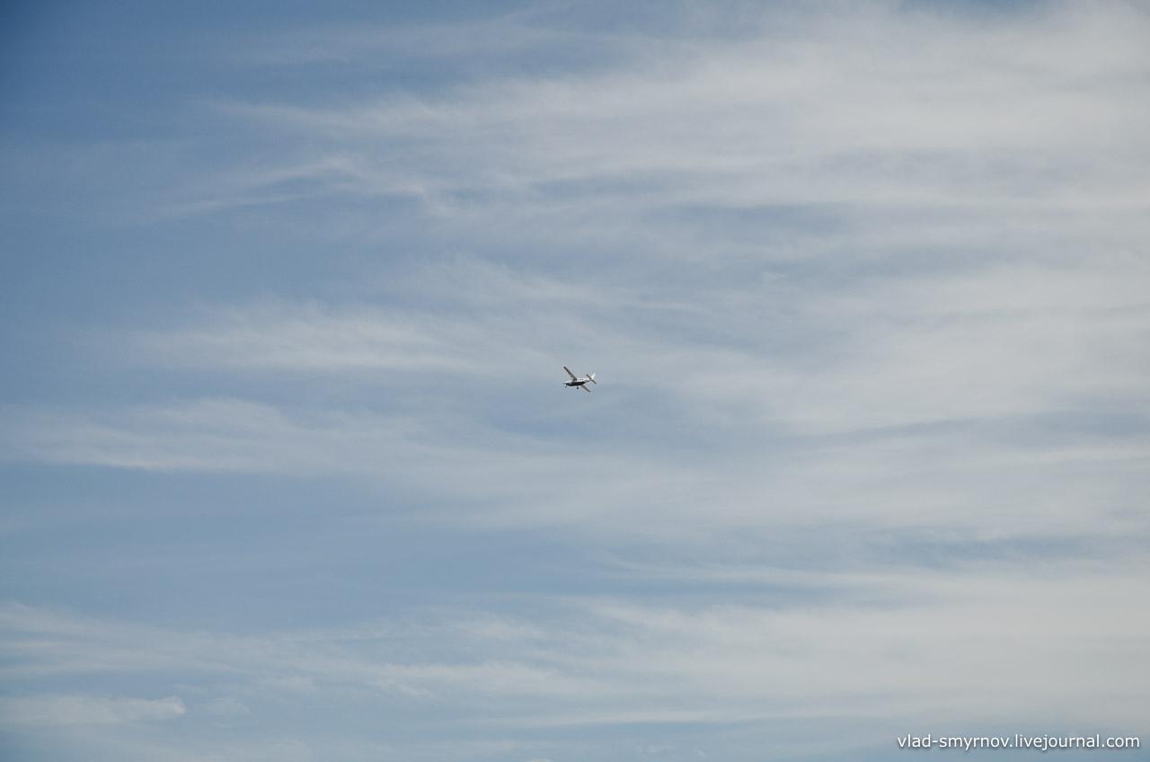 Самолёт над пустыней Наска