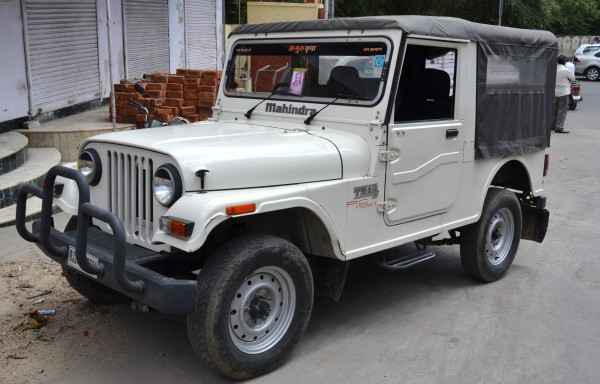 Автомобиль в рэтро-стиле Махиндра