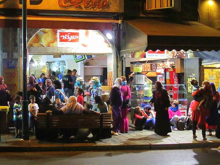 4 арабы ночью