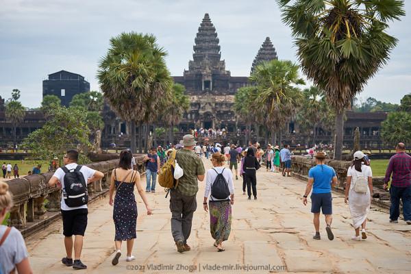 7 способов заработать на туристах в Ангкор-Вате