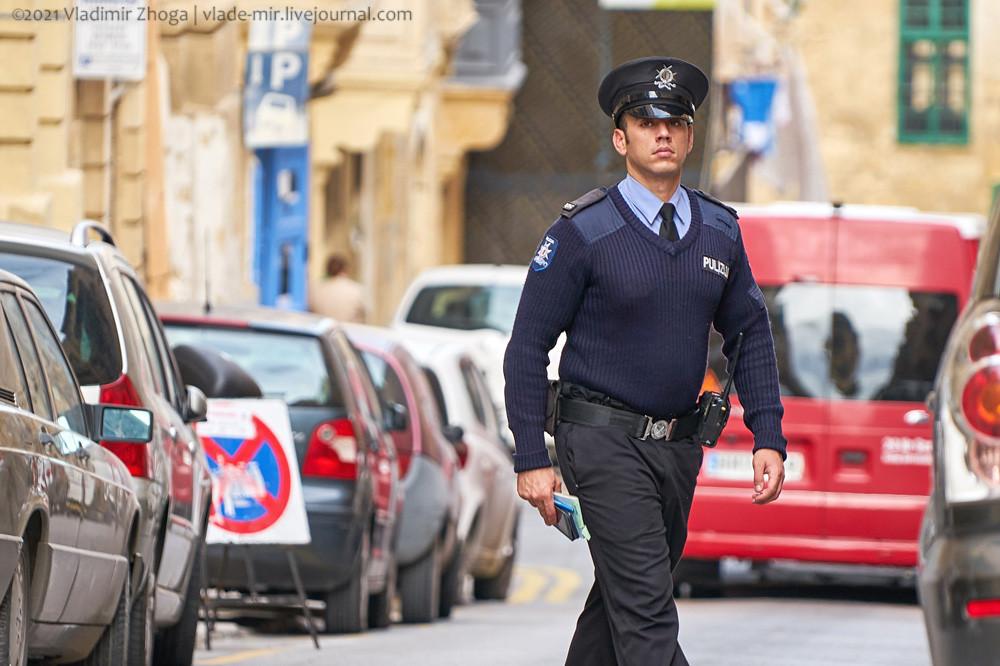 Мальтийский полицейский