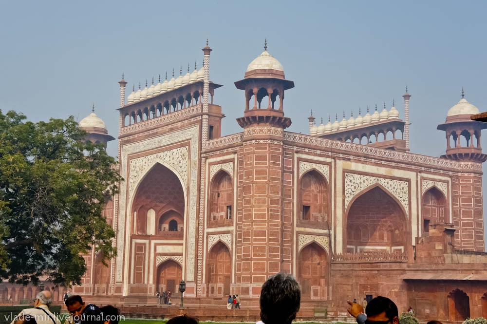 главная арка в Тадж Махал