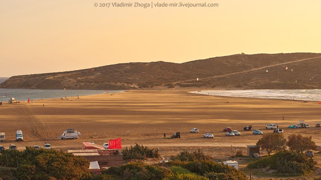 Пляж Прасониси - рай для серферов, ад для остальных