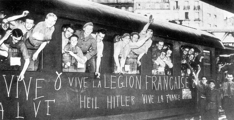 Французские_добровольцы_ЛФВ_на_парижском_вокзале,_сентябрь_1941.jpg