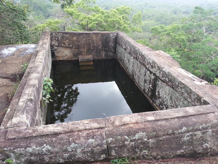 бассейн над тронным залом Сигирия