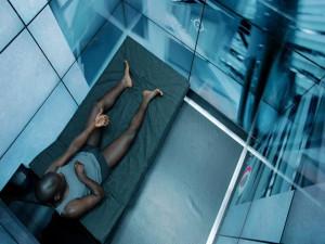 Black.Mirror.S01E02.720p.WEB-DL.2xRus.Eng.mkv_snapshot_00.07.35_[2013.12.26_00.18.47]