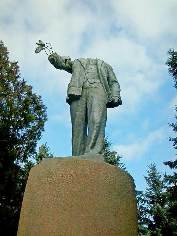 Ленин без головы (3)