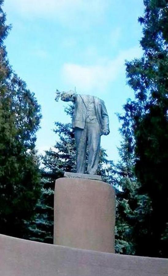 Ленин без головы (0)