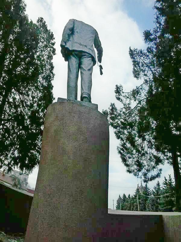 Ленин без головы (4)