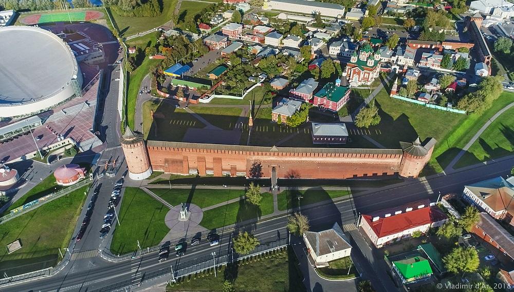 Памятник Дмитрию Донскому. Коломенский кремль.