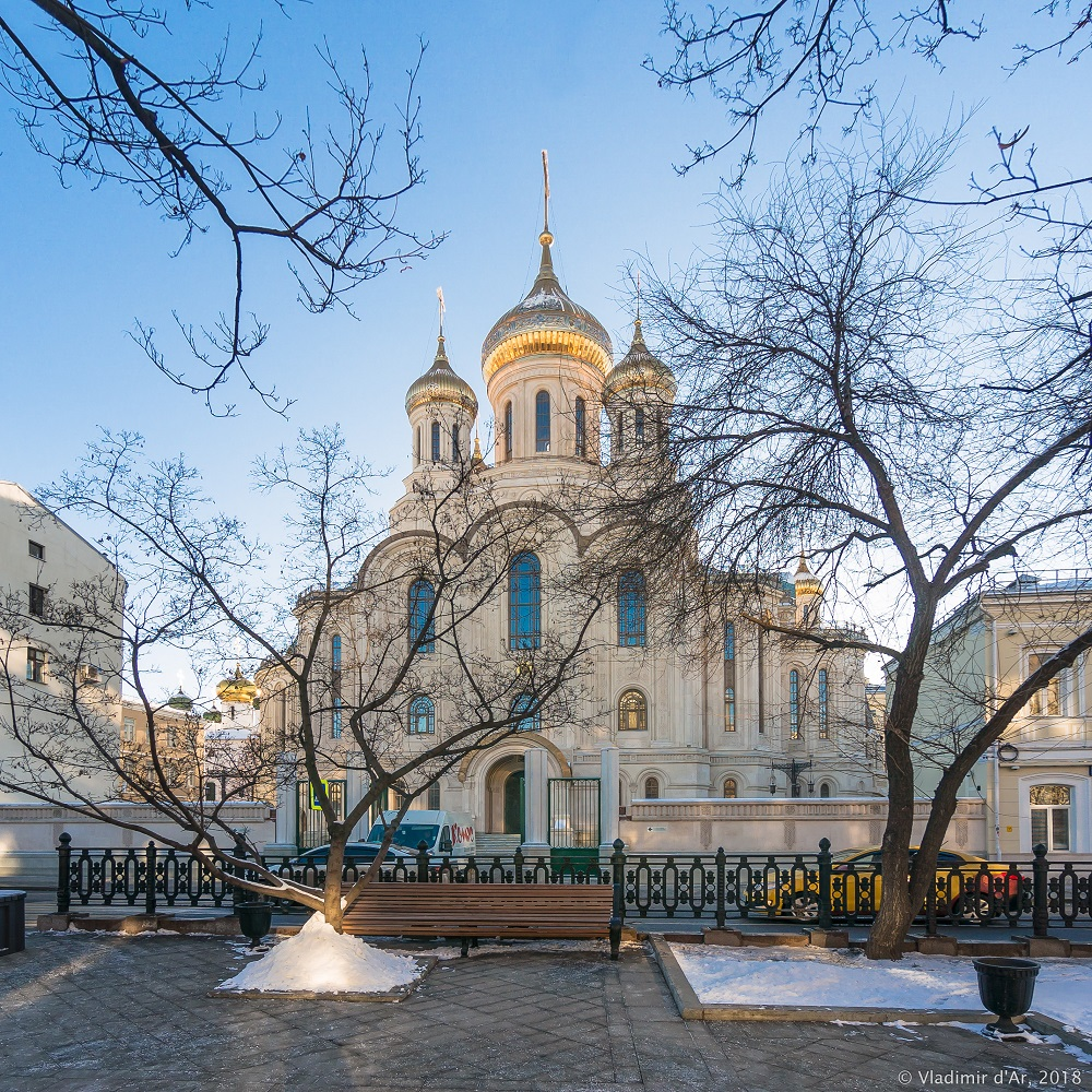 Зима в Москве. Сретенский монастырь.