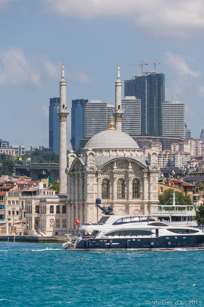 Большой Босфор. Стамбульские контрасты.