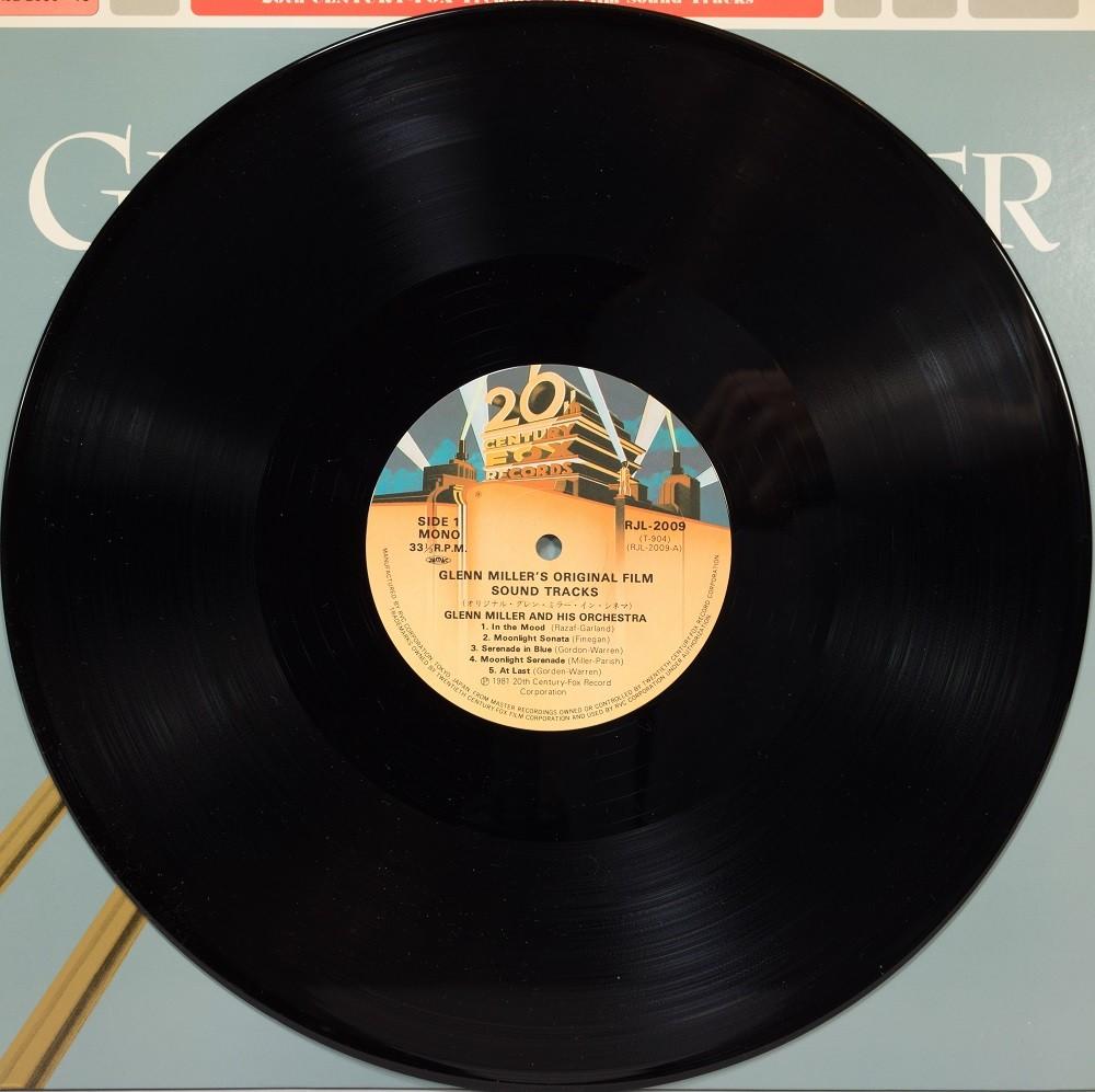 Glenn Miller and his orchestra - 04.jpg