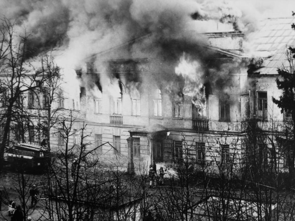 Новое здание Вифанской духовной семинарии (1826–1830 гг.). Пожар.