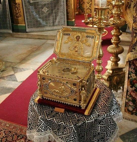 Мощи Пантелеймона Целителя - глава великомученика. Афон.