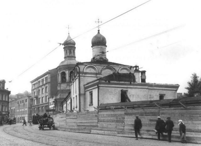 Храм святитель Николая Чудотворца в Сретенском монастыре