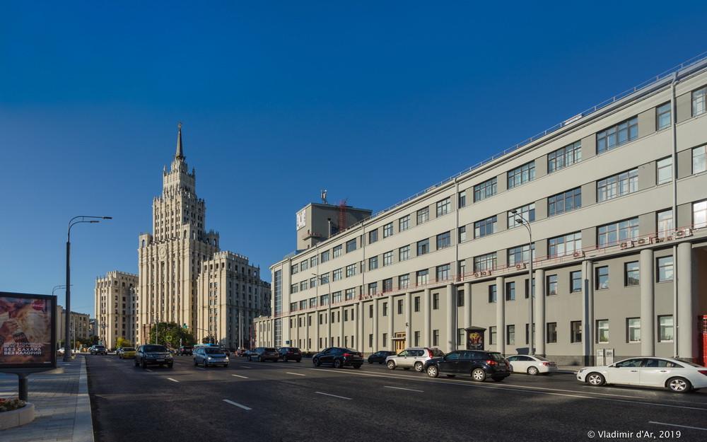 Здание РЖД на Садовом