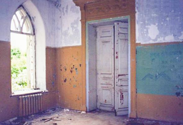 Колосово - 703 - Фрагмент интерьера второго этажа. Фото 2002, август