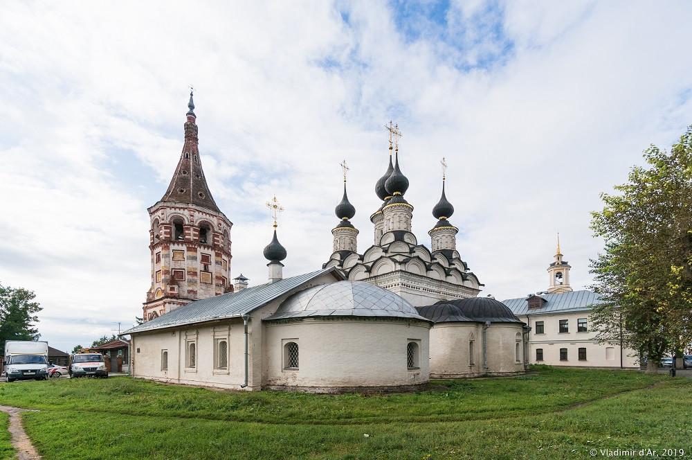 Лазаревская и Антипьевская церкви в Суздале