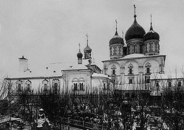 Некрополь Новоспасского монастыря