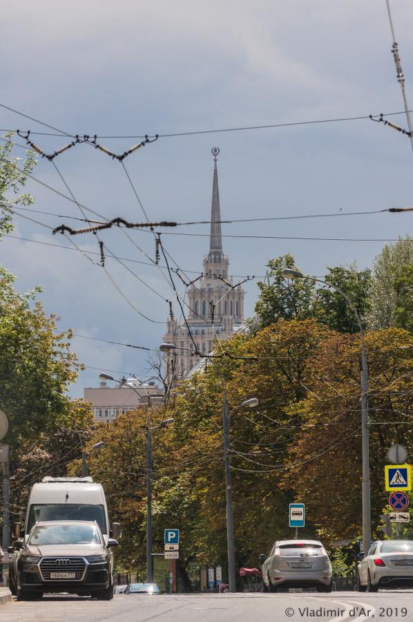 Где-то в Москве