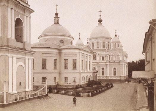 Церкви и колокольня Покровского монастыря